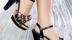 Yeni Sezon Yazlık Bayan Desenli Ayakkabı Modelleri