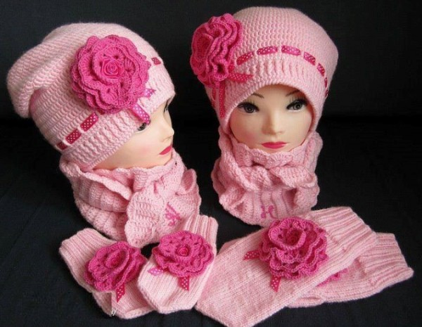 Вяжем шапки для девочки весна