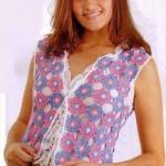 Renkli çiçek motifli bayan yazlık yelek modeli